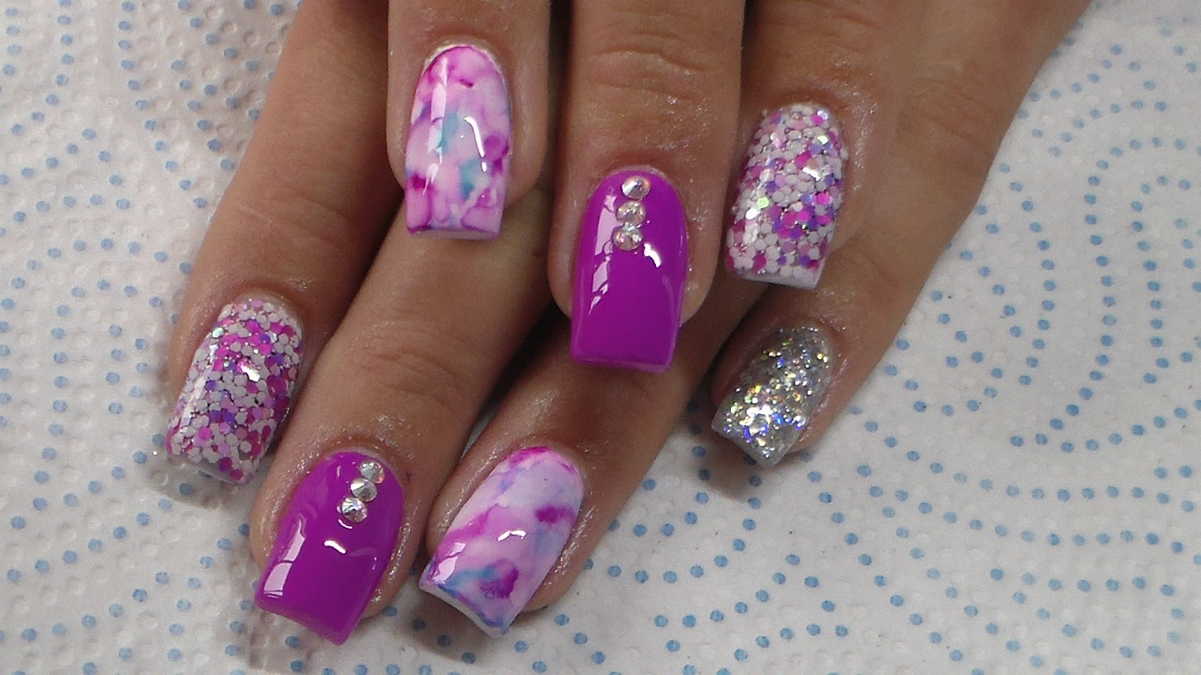 Must-Know Nail Designs For Purple And Pink Nails Fans